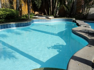 ways to heat a pool
